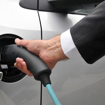 E-Garaj provides special services to Tesla